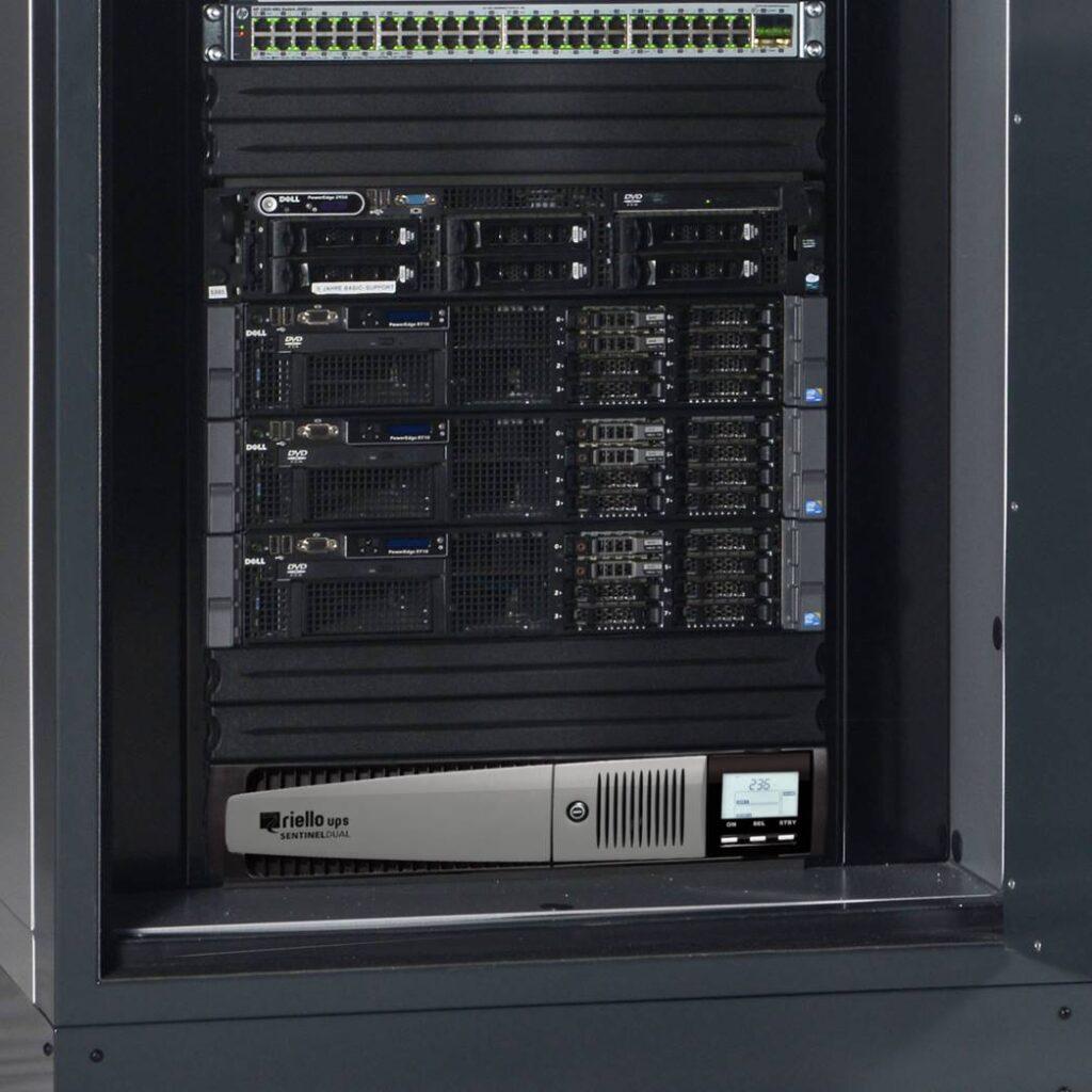 Soluciones-de-microcentros-de-datos-con-máxima-seguridad--1024x1024